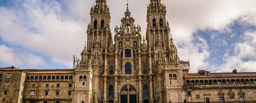 cathedral-4748181_1920 (1)
